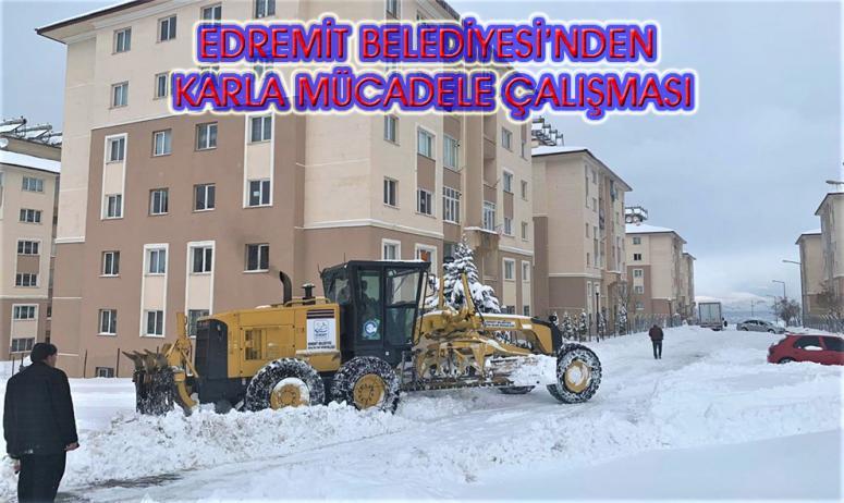 Edremit Belediyesi'nin karla mücadele çalışmaları aralıksız sürüyor