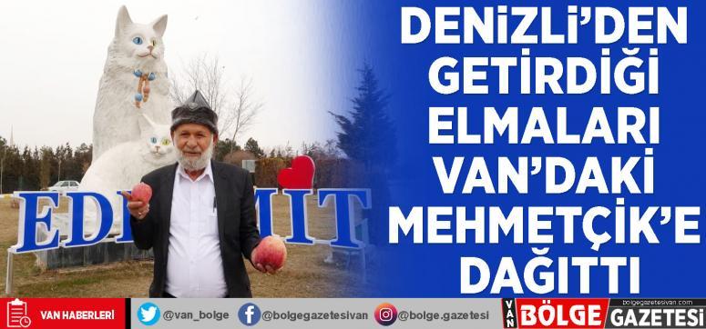 Denizli'den getirdiği elmaları Van'daki Mehmetçik'e dağıttı
