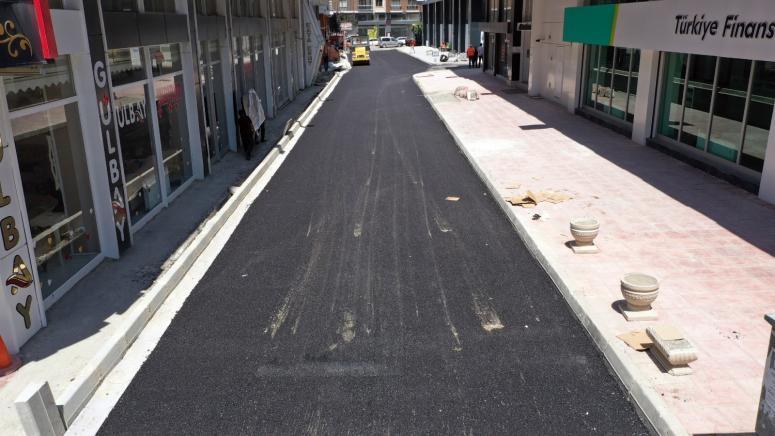 İpekyolu'ndaki Ercişli Emrah Caddesi yeni yüzüne kavuştu