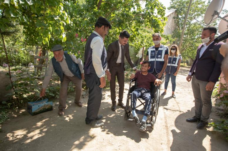 İpekyolu Belediyesi'nden engellilere akülü ve tekerlekli sandalye