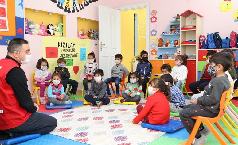 Başkale'deki minik çocuklar, İzmir'deki depremzedeleri unutmadı