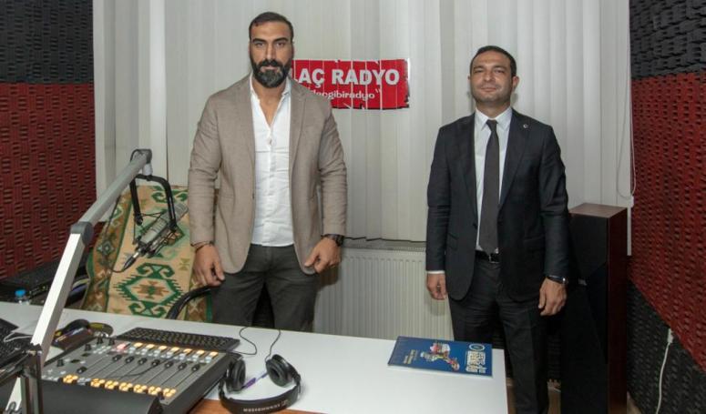 Başkan Vekili Aslan, İlaç Radyo'da hizmetlerini anlattı