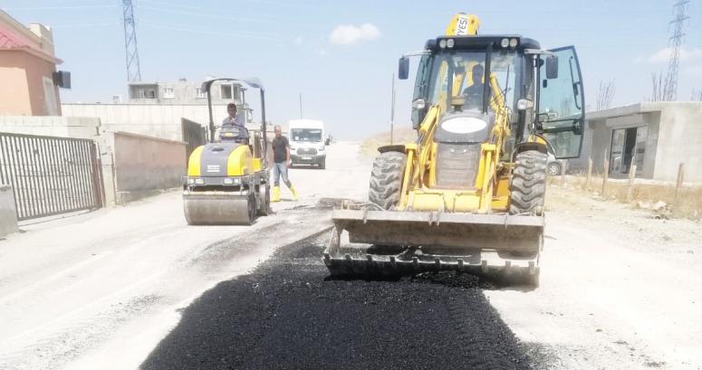 Tuşba'da, asfalt çalışmaları sürüyor