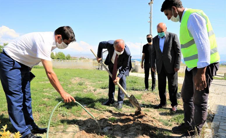 Başkan Akman: Hedefimiz üzüm bağcılığını yaygınlaştırmak