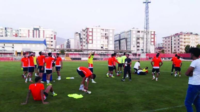 Vanspor, Tuzlaspor maçına kilitlendi