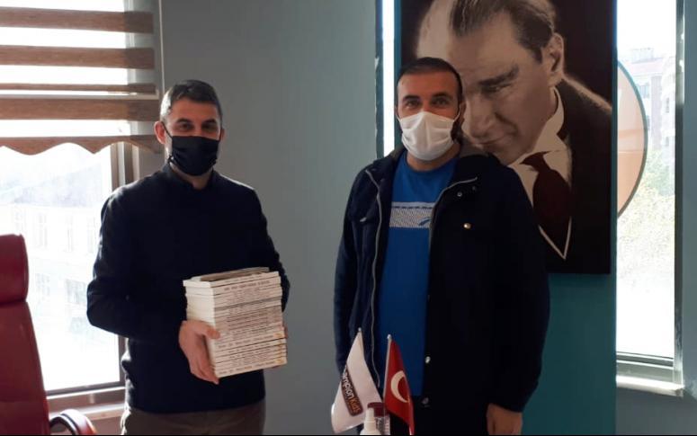 Simer Yayınevi'nden, 24 öğretmene kitap hediye edildi