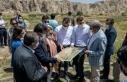 Bakan Yardımcısı Yavuz, tarihi ve turistik mekanları...