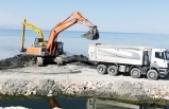 Van Gölü'nde dip çamur temizliği sürüyor