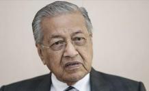 Malezya'da istifa depremi!