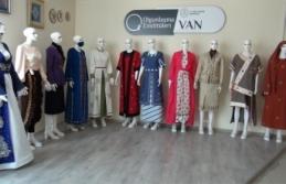 Van'ın yöresel kıyafetleri gün yüzüne çıkıyor