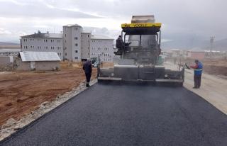 Çaldıran Devlet Hastanesi yolu asfalta kavuştu