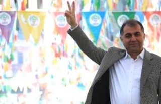 HDP'li Batman Belediye Başkanı Demir gözaltına...