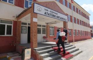 Gürpınar'da okullar eğitime hazır hale getiriliyor