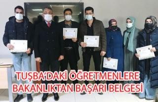 Tuşba'daki başarılı öğretmenler belgelerini...