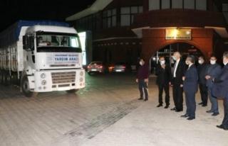 Edremit Belediyesi'nin yardım tırı İzmir'e uğurlandı...