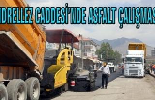 Büyükşehir, Hıdrellez Caddesi'nde asfalt serimine...