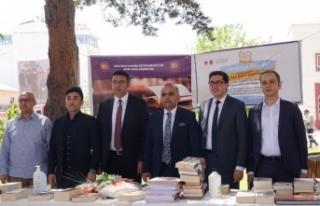 Erciş'te hükümlü ve tutuklular için kitap bağış...