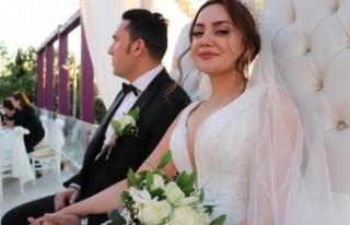 İranlı çift Van'da görkemli bir törenle dünya...