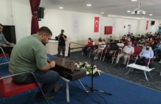 Müzisyen Anar, Vanlı gençlere başarı öyküsünü...