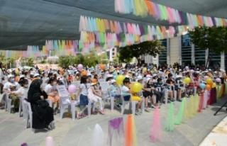 Tuşba Belediyesi'nden, çocuklara tiyatro sürprizi