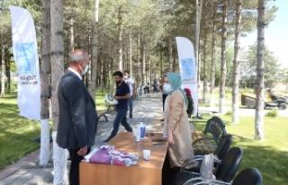 Tuşba Belediyesi'nden sağlık personeline aşı...