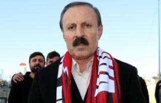 Yenitürk: Vanspor'u destek olmadan yönetemeyiz!