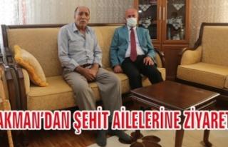 Başkan Akman, şehit ailelerini ziyaret etti