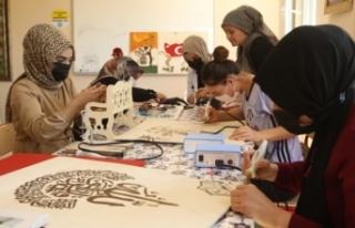 İpekyolu'nda çocuk ve gençler sanatla buluşuyor