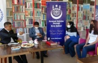 Kaymakam Mehmetbeyoğlu öğrencilerle bir araya geldi