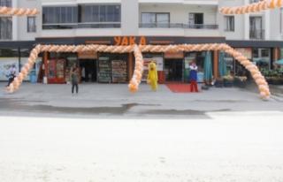 YAKA Marketler Zinciri Gölbaşı'nda 12. şubesini...