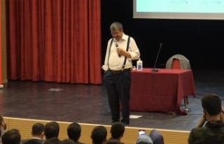 Yazar Hayati İnanç Erciş'te gençlerle buluştu