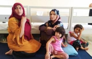 Afgan göçmenler arkalarında acı hikayeler bıraktı