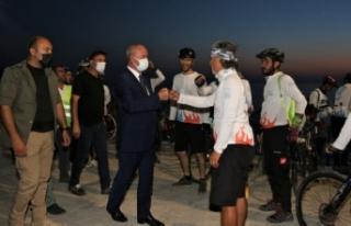Başkan Akman'dan bisiklet tutkunlarına ziyaret