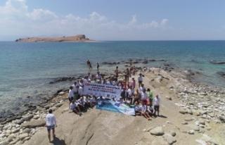'Çarpanak Adası'na Antik Yoldan Su Altı Yürüyüşü'...