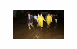 İpekyolu Belediyesi'nden, meydana gelen sele...