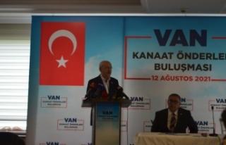 Kılıçdaroğlu, Van'da kanaat önderleriyle bir...