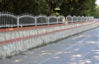 Özalp Belediyesi mezarlık çevre duvarı yaptıracak