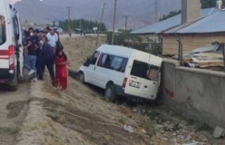 Van'da düğün konvoyunda kaza: 5 yaralı