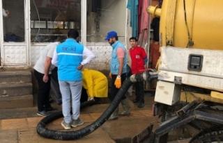 VASKİ, sel bölgesindeki çalışmalarını sürdürüyor