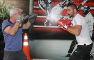 Milli kick boksçu Mesut Saba, Van'ı temsil edecek