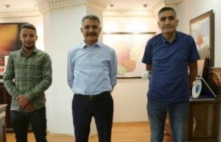 Vanlı Gazeteci Çurku'dan Vali Özkan'a...