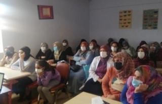 Muradiye'de aşı seminerleri devam ediyor