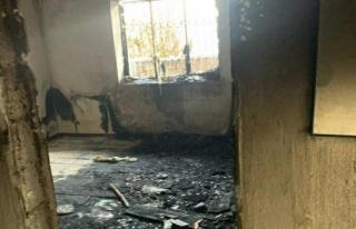İpekyolu Kaymakamlığı, evi yanan aileyi unutmadı
