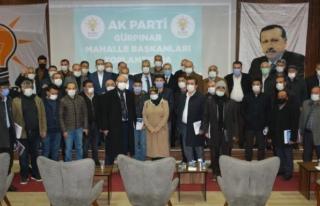 Ak Parti'de mahalle başkanlarına belgeleri...