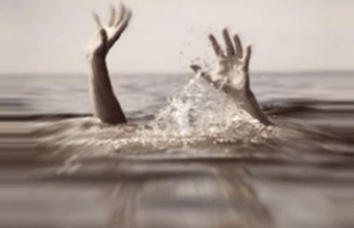 Botu devrilince Van Gölü'ne düşen bir kişi boğuldu...