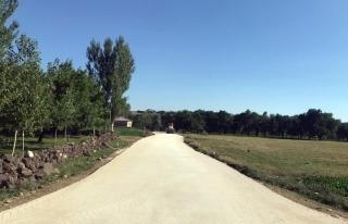 Büyükşehir, 4 ilçede 30 kilometrelik yolu asfaltla...