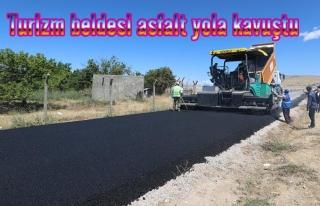 Büyükşehir, Mollakasım yolunu asfaltladı
