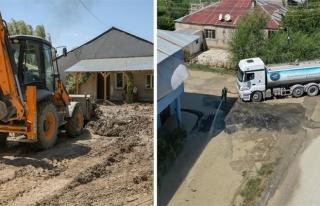 İpekyolu Belediyesi, selzedelerin yarasını sarıyor