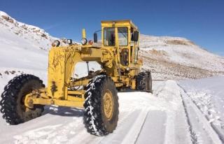 Büyükşehir'in karla mücadele mesaisi başladı