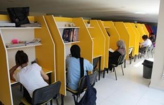Van'da bir ilk: Kitap Kafe Hizmette